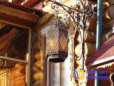 Светильники, обрамленные металлическим ажурным кружевом